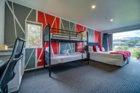 Family Room with City View , Silver Fern Lodge