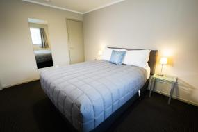 One-Bedroom Suite - Disability Access, Ashbrook Motel