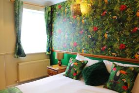 Tropical Nights (Tropical Themed Double Room), Blacksmiths Boutique B&B