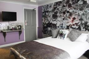 Silver Repose (Tranquil and Relaxing Double Room), Blacksmiths Boutique B&B