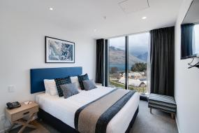 Hotel Room Lake View, Ramada Queenstown Central