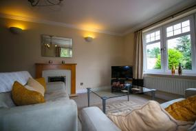 Two-Bedroom Apartment - 3H Abbotsford, Turnberry Apartments