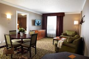 Deluxe King Suite, Varscona Hotel on Whyte