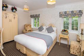Superior Suite, OYO Vale Lodge