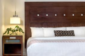 King Room, Metterra Hotel on Whyte