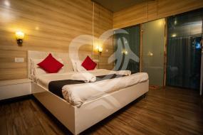 Triple Room with Garden View, Curlies Zulu Land By BelloStay