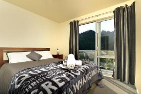 Queen Room with Private Bathroom, Tombstone Backpackers