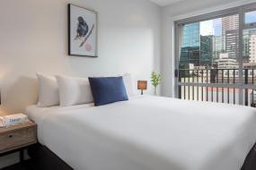 Studio - No Housekeeping, Auckland Harbour Suites