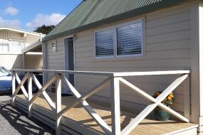 Two-Bedroom Chalet, Featherston Motels And Camping