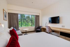 Superior King Room, Novotel Rotorua Lakeside