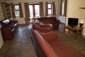 Three-Bedroom Cottage, An Creagán Self Catering Cottages