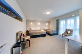 Driftwood Twin Room, Beachfront Hotel Hokitika