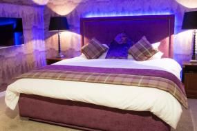 Deluxe Double Suite with Lake View, Clachan Cottage Hotel