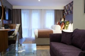 Junior Suite, Wychwood Park