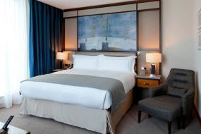King Room with Mobility Accessible Roll-In Shower, Intercontinental London - The O2