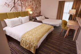Queen Room with Sofa Bed, Holiday Inn Northampton West M1 Junc 16