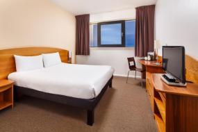 Standard Double Room, ibis Hotel Northampton Centre