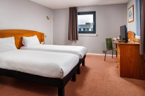 Standard Twin Room, ibis Hotel Northampton Centre