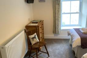 Twin Room, Fox and hounds starbotton