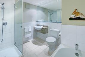 Two Bedroom Studio Suite Non-Lakeview, Heritage Queenstown
