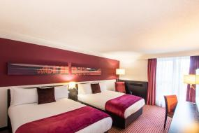 Double Room with Two Double Beds, Crowne Plaza Birmingham City