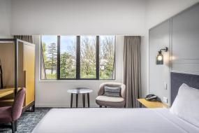 Deluxe King Room, Chateau On The Park - Christchurch, A Doubletree By Hilton