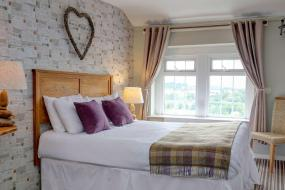 Small Double Room with Double Bed - Non-Smoking, New Hobbit Hotel