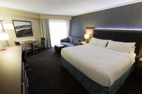 Executive King Room, Holiday Inn Express Edmonton Downtown, an IHG Hotel