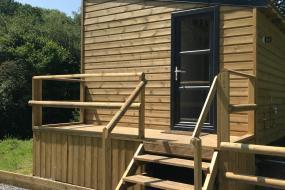 Three-Bedroom Chalet, Cosy Foxglove Hut