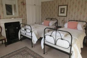 Deluxe Twin Room, The Waltons