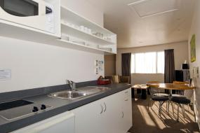 Two-Bedroom Suite with Spa Bath, FYFFE on Riccarton