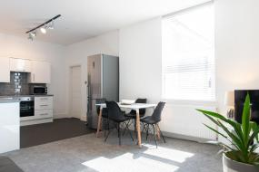 Three-Bedroom Apartment, MyUKSuites
