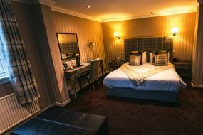 Twin Room, The Fenwick Hotel