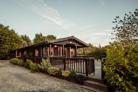 Luxury Log Cabin, Little Eden Country Park, Bridlington with Private Hot Tubs Available