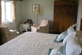 King or Twin Room, Manor Farm Oast