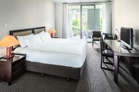 Premium King Room, Hilton Lake Taupo