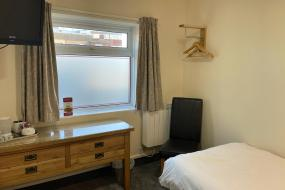 Single Room, Claxton Hotel