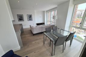 Two-Bedroom Apartment, London Greenwich Luxury Apartment O2