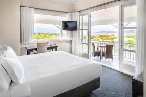 Deluxe King Room, Hilton Lake Taupo