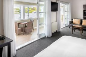 Deluxe King Suite, Hilton Lake Taupo