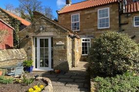 Three-Bedroom House, Apple Farm Holiday Cottages
