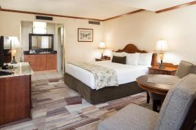 Deluxe Room with King Bed, Charltons Banff