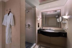 Club Double Room with Complimentary wifi, Sheraton New Delhi Hotel - Member of ITC Hotel Group