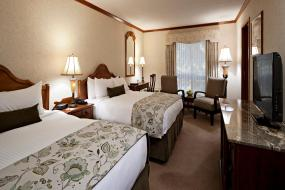 Deluxe Room with Two Queen Beds, Charltons Banff