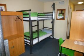 Bunk Bed in Male Dormitory Room with Shared Bathroom, YHA Oxford