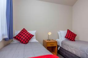 Two-Bedroom Apartment, Deans Bush Motel