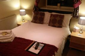 Double Room with Private Bathroom, The Crossroads Inn