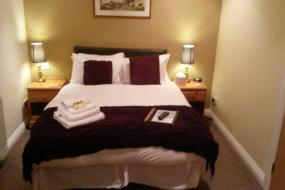 Twin Room with Private Bathroom, The Crossroads Inn