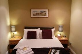 Triple Room with Private Bathroom, The Crossroads Inn