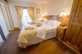 King or Twin Room with Private Bathroom - Pet Friendly, The King William IV Country Inn & Restaurant